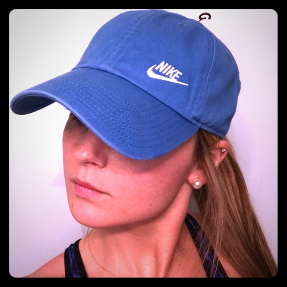 5b57be4a43b NIKE Heritage Performance Cap — Blue